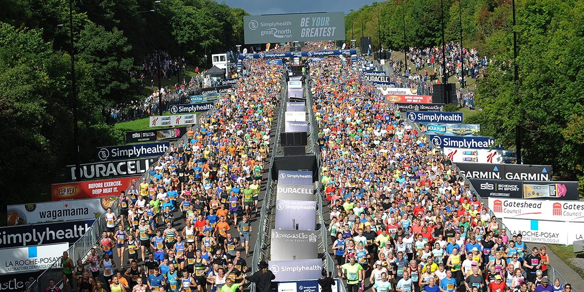 Great North Run runners starting