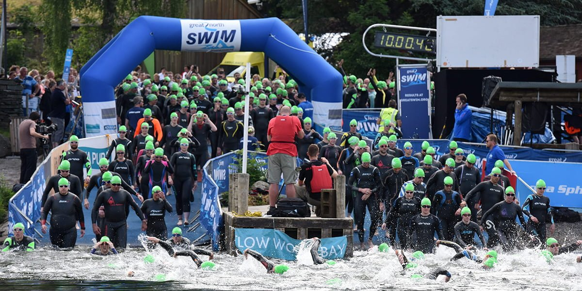 Great North Swim swimmers setting off